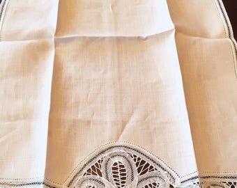 Adorable French Vintage 50s Belgium  Linen Guest Towel Battenberg Hand Lace