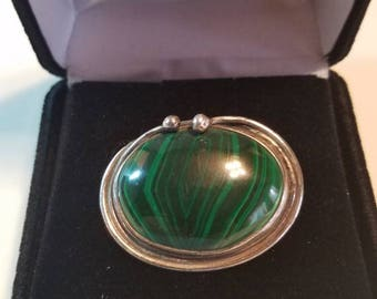 Sterling silver,with Beautiful Green Malachite precious Center Stone.