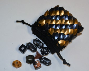 Dice Pouch in knitted Dragonhide Scalemail Armor by Crystalsidyll