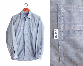 vintage chambray shirt / chambray button up / Levis chambray shirt / 1980s Levis chambray denim shirt Medium