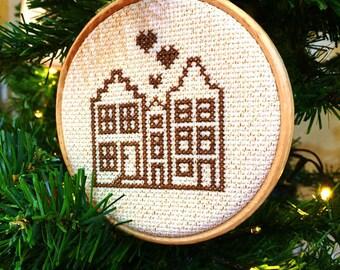 Amsterdam DIY kit. Christmas tree ornament kit. DIY christmas gift for traveller. Amsterdam cross stitch kit