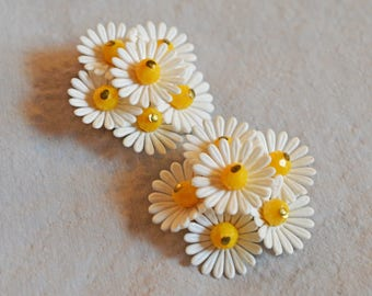 Cute Vintage Earrings - White Daisies, 1950s or 1960s, West Germany, Clip Earrings