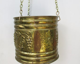 Vintage Brass Hanging Planter Pot Vintage Home and Living Brass Decor Vintage Indoor Brass Hanging Potted Plant Display Decor Indoor Outdoor