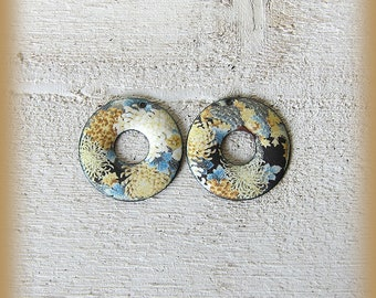 2 enameled copper charms