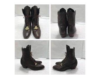 Vintage ladies lace up ankle boots with engraved design gold plaque detail sz:8 1/2