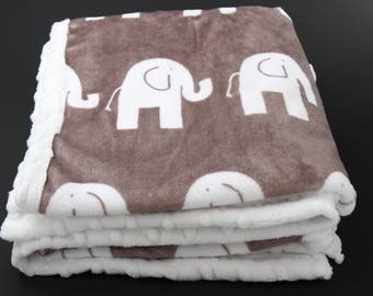 Elephant baby blanket, soft baby blanket, plush baby blanket, neutral baby blanket, pram blanket, baby girl, baby boy, elephant theme
