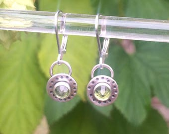 Stamped circle earrings with peridot