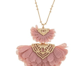 Layered Lace Flower Necklace Dust Pink