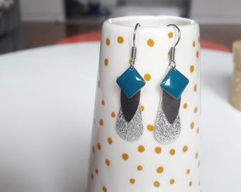 Earrings drops and sequin