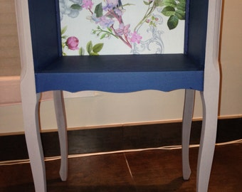 Bedside grey and blue with Japanese print