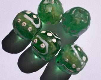 African Green and White Recycled Krobo Glass Beads - Fair Trade from Ghana - Pack of 5 Size 12 - 15mm approx