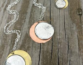 SOLAR ECLIPSE NECKLACE - Eclipse Necklace, Celestial Necklace, Solar Eclipse Jewelry, Celestial Jewelry, Moon Jewelry, Sun Jewelry, Solar