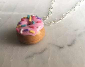 Kawaii Donut Necklace -- Donut Charm Necklace -- Doughnut Charm Necklace -- Polymer Clay Donut Necklace