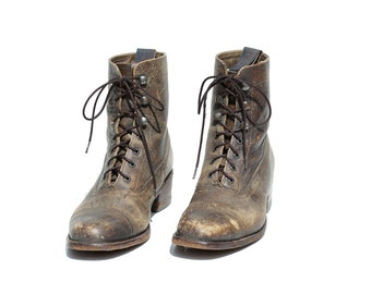 Vintage Distressed Brown Leather Lace Ankle Boots / size 7