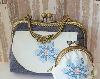 Floral Clutch Bag ~ Metal Frame Purse ~ Upcycled Vintage Linen Purse ~ Blue Floral Bag ~ Evening Clutch ~ Vintage Clutch Purse ~ MS004