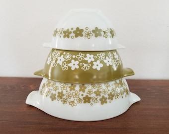 Pyrex Crazy Daisy Cinderella Bowls - Set of 3