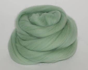 2-4 oz Merino Wool 21 Micron Giant Bulky Yarn In Mint Color Nuno Needle Felting 100% Natural Eco-Friendly Roving Spinning Fiber