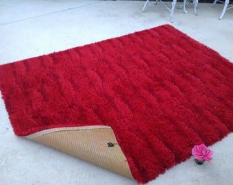MID CENTURY MODERN  Carpet K. V. T. Red Textured Rug / Carpet by Koninklijke Vereenigde Tapijtfabrieken / Cool Rug like New Retro Daisy Girl