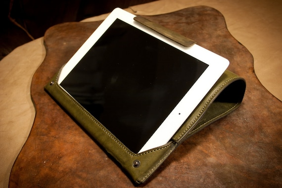 "iPad Retina Air 1 and 2 iPad Retina 4 3 and 2 leather case Made by Vegetable Italian Tanned Leather, the typical Tuscan ""cow"" greased."