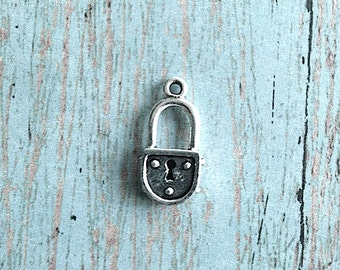 Padlock charm 3D silver plated pewter (1 piece) - silver padlock pendant, lock pendant, household charms, silver lock charm, FF2