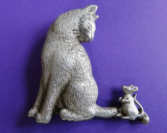 """JJ Jonette Kitty Invites Mouse To"""" Come To Dinner""""Brooch Pin"""
