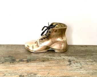 Small Brass shoe boot with laces