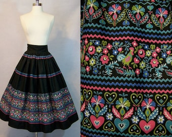 Vintage 50s 1950s Floral Heart Rooster Novelty Print Polished Cotton Full Circle Skirt XS S Small 25