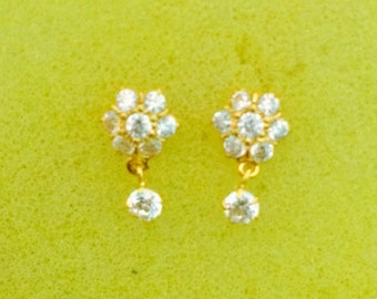 Beautiful pair of Ear Studs in pure Gold