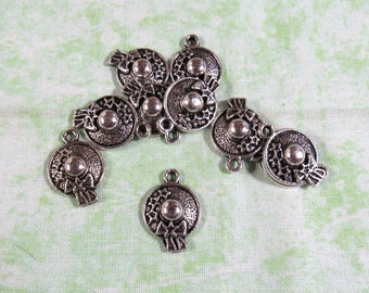 10 Antique Silver Easter Bonnet Straw Hat Charms  (B329g)