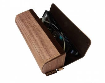 Naturally Crafted Wood Glasses Case (Walnut)