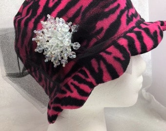 Pink & black fleece animal print cloche hat