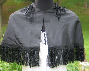 Antique Cape / Victorian Cape /Antique Coat / Vintage Cloak/ late 1800s~early 1900s / Black Taffeta / Unique Fringe