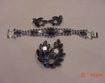 Vintage Blues And Aurora Borealis Rhinestone Brooch - Bracelet & Clip On Earrings Parure  17 - 1345