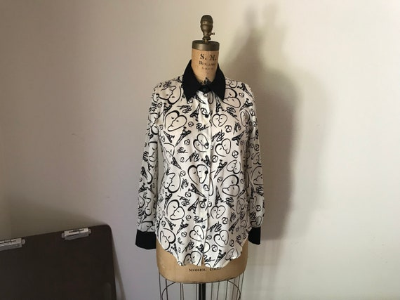 Two Tone Paris Shirt | S/M 90s vintage ivory cream calligraphy script snap up button up long sleeve black collar professional work shirt
