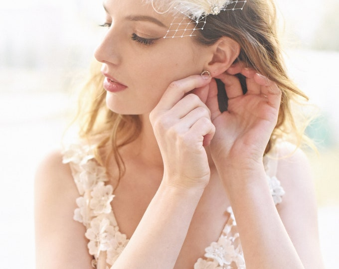 Wedding Hair Clip, Feather Fascinator, Bridal Hair Clip, Bridal Head Piece, Bridal Hair Pin, Feather Hair Clip, Ivory Hair Clip, Style 311