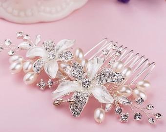 Bridal Hair Comb, Pearls and Rhinestones Bridal Hair Comb, Flowers Hair Comb, Bridal Accessories