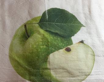 100% cotton flour sack kitchen towel Granny Smith Apple