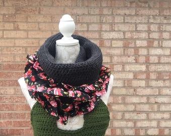 Ruffle scarf / cowl - roses