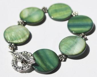 Green Disc and Flower Bead Bracelet