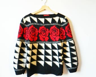 Vintage 100% Wool Geometric Rose Sweater / Triangle Statement Sweater / Vintage Wool Rose Sweater in Black and White