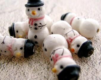 4 Tiny Snowman Beads - CB96