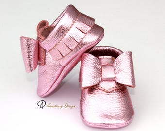 Baby Moccasins Leather Baby Moccasins Pink Gold Fringed Moccasins with Bow Baby Girl Shoes Princess Shoes Pink Girl Shoes, Toddler Moccasins