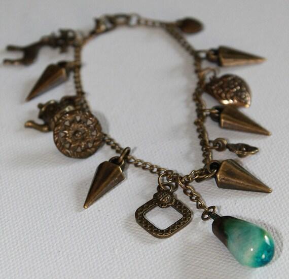 Boho Vintage Style Charm Bracelet - Heart Charm - Victorian Button - Vintage Gold - OOAK