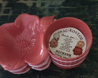 Set of Five Vintage Plastic Snac-Kosters in Corals and Pinks