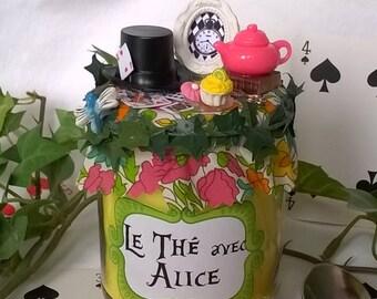 """Bougie jaune """"Le thé avec Alice"""" liberty et miniatures"""