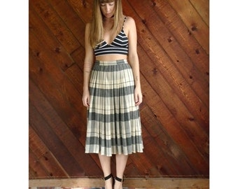 EXTRA 20% OFF SALE.... Grey Blue Plaid Pleated Midi Skirt - Vintage 70s - S/M