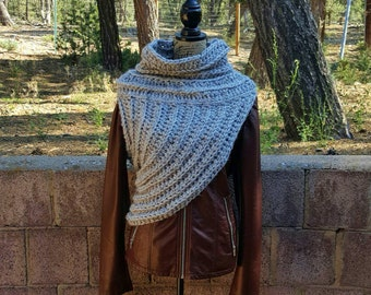 Crochet Huntress Crossbody Cowl // Hunger Games Inspired // Katniss Cowl // District 12 // Cosplay Cowl // Archer Cowl // Chunky Cowl