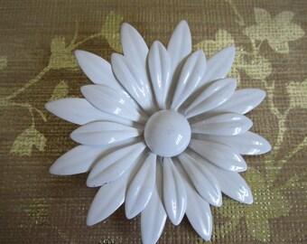Vintage 1970s Enamel Brooch Snow White Enamel 70s Double Daisy Style Flower Brooch