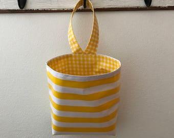 Beth's Stripes Oilcloth Car Trash Bag Hanging Receptacle