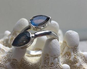 Silver Ring with Labradorite  Gemstone / ajustible size / natural untreated gemstone